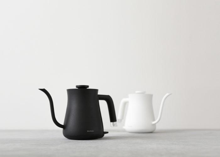 ブラックとホワイトの2色展開。