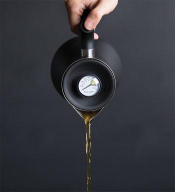 茶葉ごとに最適な抽出温度がマーキングされている。