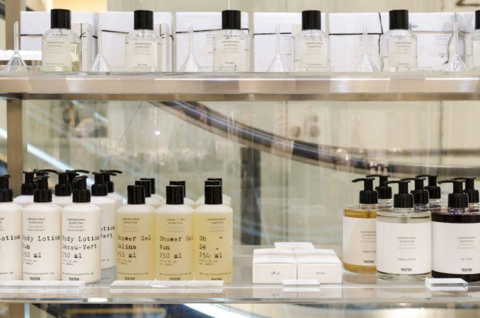 シャワージェルやボディウォッシュなどバスアメニティーもフレグランスと同じ香りがラインナップ。