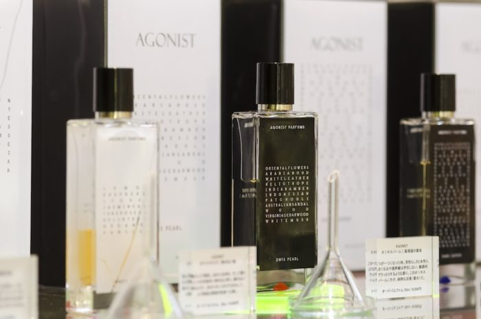 スウェーデン発の「AGONIST」。それぞれのボトルには香料の名前が記載されている。