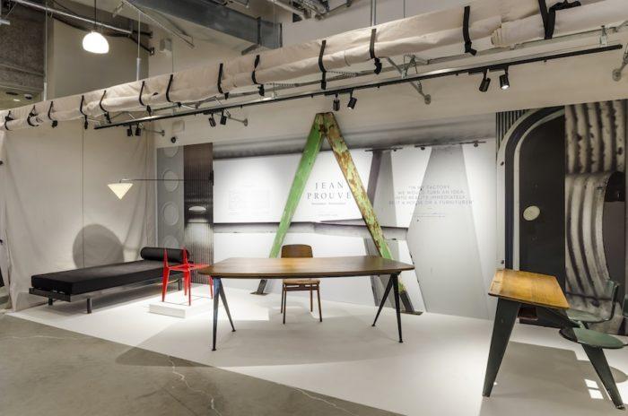 ジャン・プルーヴェの貴重なコレクションを展示する「Tent gallery」。