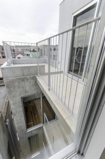 4階の和室から見る。