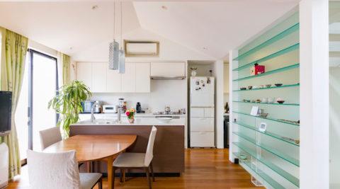緑と暮らす心地よさ趣味を楽しむ都会のアトリエ併用住宅
