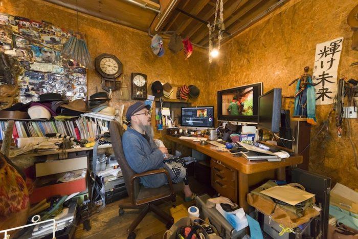 映画監督、映像ディレクターの髙木聡さん。「家に求めるのは利便性だけではない」と語る。