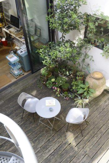 屋根を取り払って作った中庭を上から。この眺めも気に入っている。