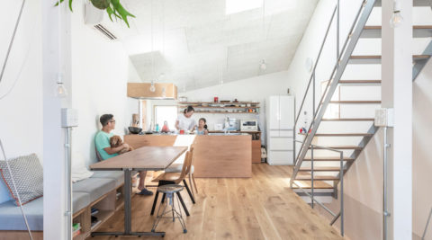 収納分離でゆったりリラックスハワイ好き家族が目指した家づくり