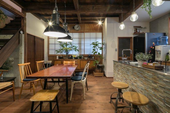 リノベ前は開かずの間だったとは思えない、素敵なダイニングキッチンに生まれ変わった。