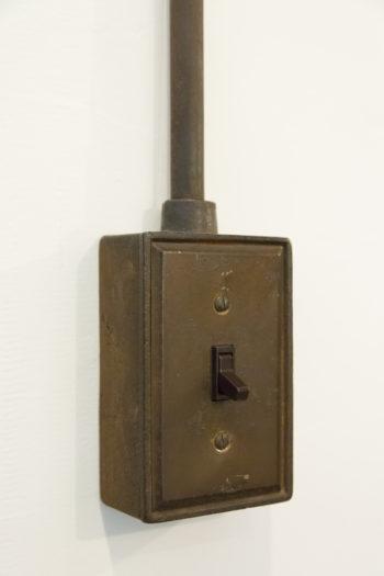 既存住宅で使われていた電気スイッチをそのまま使用。