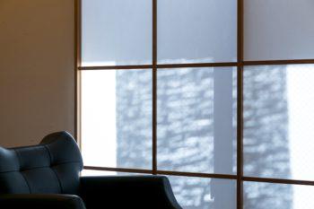 障子越しの柔らかな光や揺れる影は、趣たっぷり。