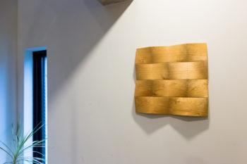 腰越さんの伯父さんの作品だというアートを飾る。