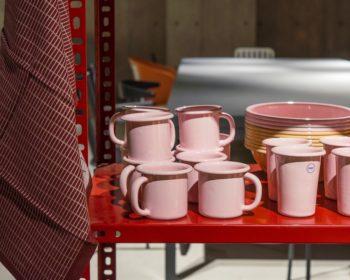 ノスタルジックなピンクが可愛いピンクの琺瑯アイテム。