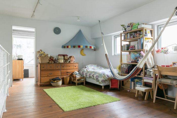 上の階の子ども部屋。将来壁をつくって仕切ることもできるようにしてある。