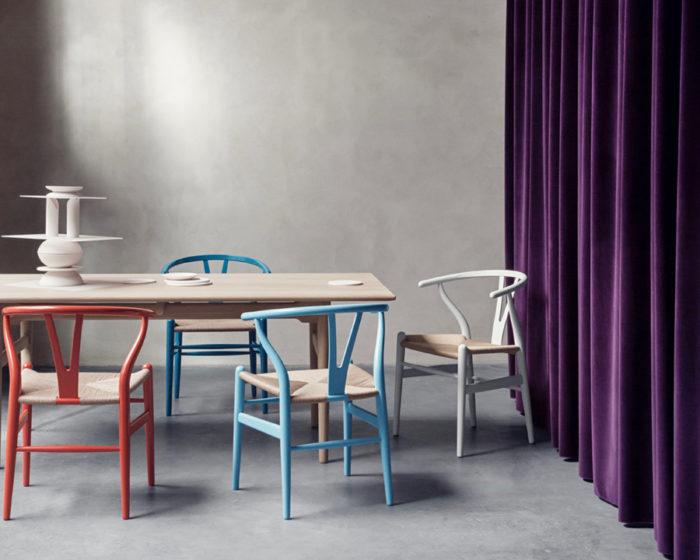 Yチェアの愛称で知られるCH24は、ベーシックな色をはじめ全25色展開。