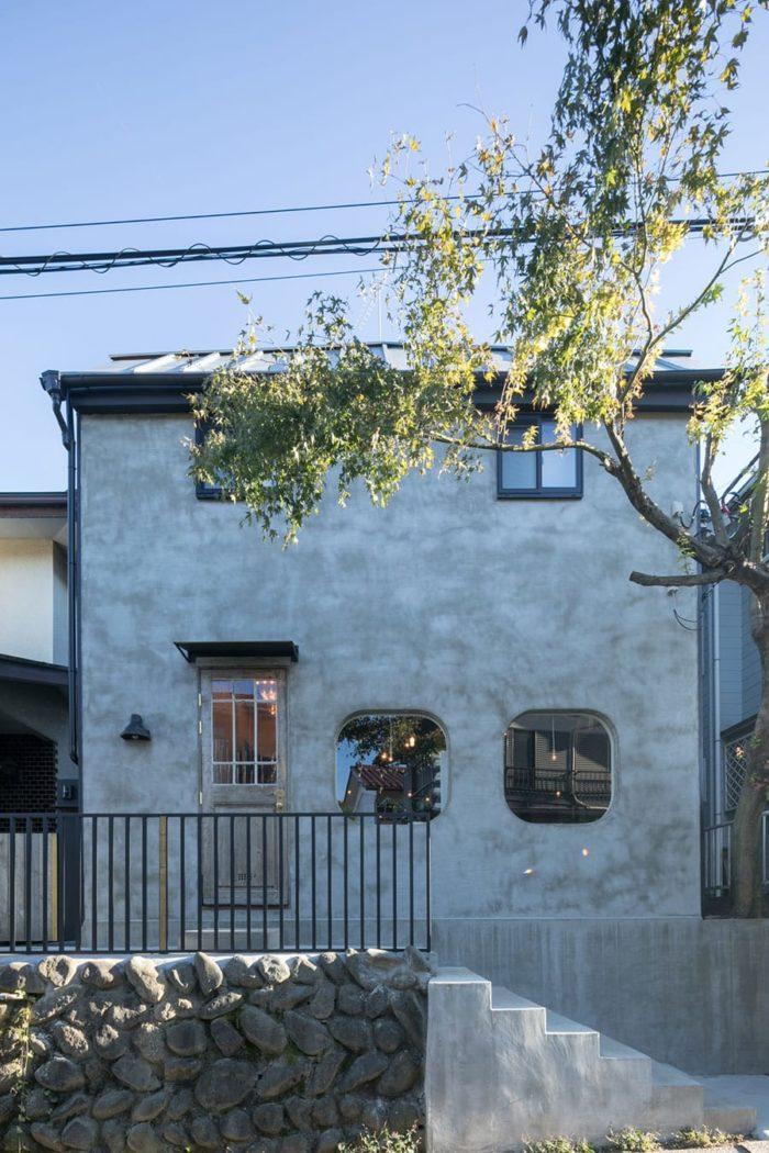 外断熱+ペアガラスに変えてとても暖かく快適な家になったそう。