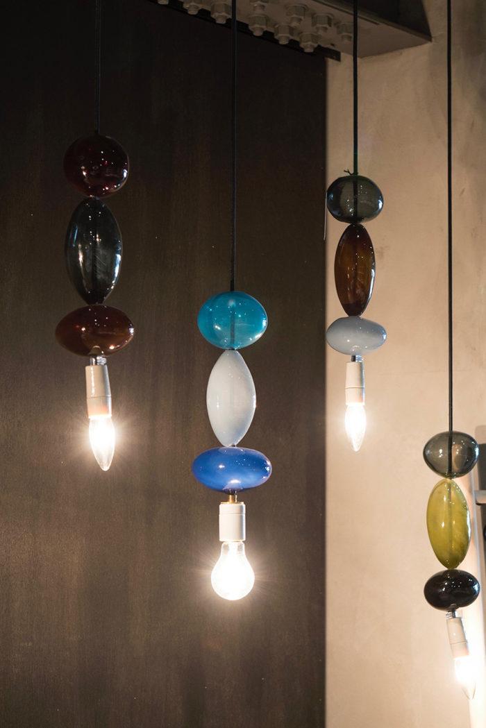 フランスの工房、Datcha.(ダッチャ)の吹きガラスによるランプ。