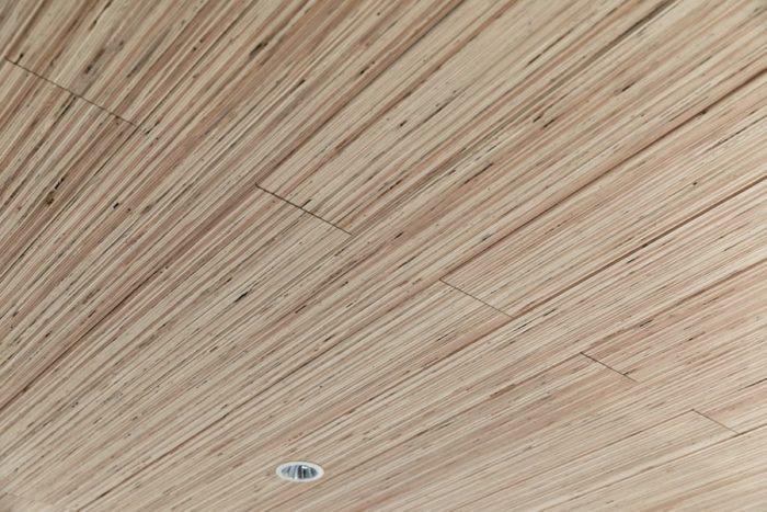 LVL材天井の表情。
