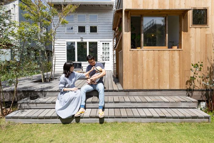 現在3カ月の長男と、湘南での暮らしを満喫する池田紀行さんと麻里奈さん。貸しスタジオHOHHOHOUSEも営む。