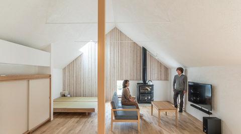 モデルルームも兼ねた30坪の家陰影のある、静かな大人の空間で暮らす