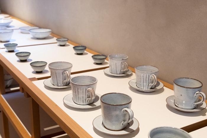 「TENHACHI」の建築家、佐々木倫子さん父・典彦氏の作品。「いづみ」のコーヒーは典彦氏作製のカップで提供される。