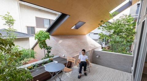 職、住、街をゆるやかにつなぐ大屋根が生み出す庭&アウトドアリビング