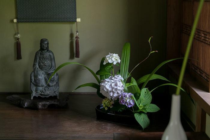 床の間には、高橋さんのお母さまがしつらえた紫陽花が飾られていた。