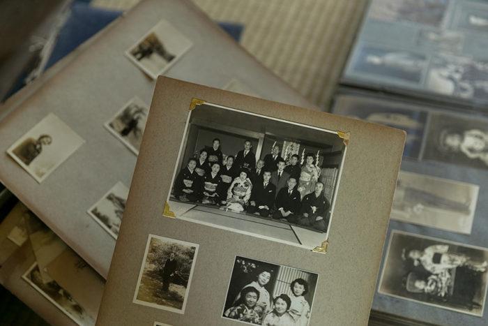 この客間で祖父と祖母が結婚式をした当時の写真が残っている。