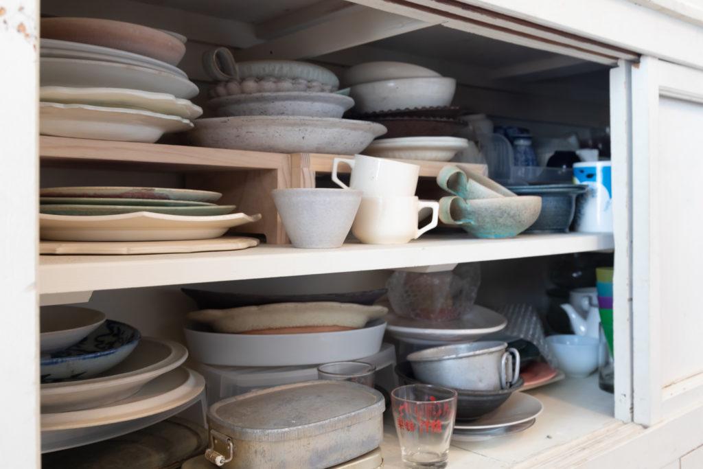 作家ものやアンティークなど、自宅で使う食器類もたくさん保有している。