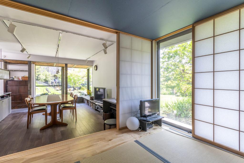 和室が小上がりになっているためちょっと腰かけることもできて便利という。