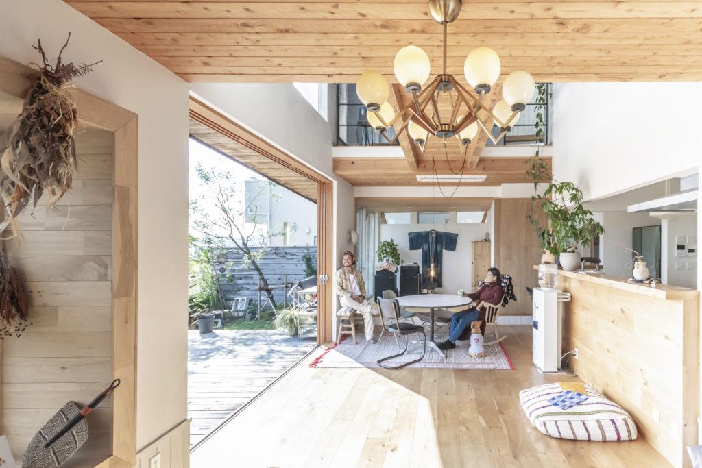 吉村順三の和風建築も好きだという増山さん。日本家屋で用いられる引き込み戸も取り入れた。