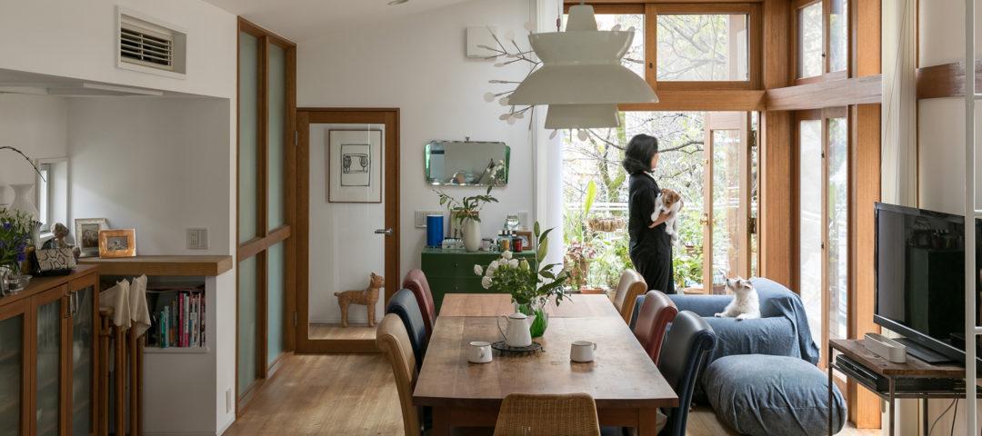 光と緑を感じて 暮らしになじむ心地よさと 新しい挑戦を楽しむ20年目の家
