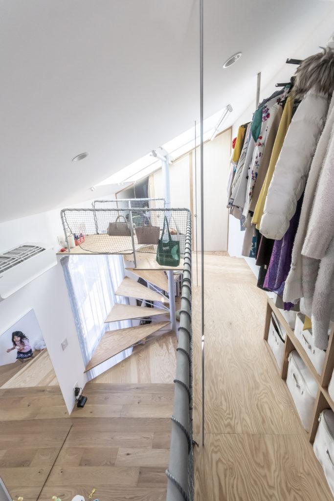 当初屋上をリクエストしていたが、インナーバルコニーの方が生活空間と連続していて 使い勝手が良いという判断となった。