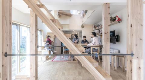 動線が各部屋をループ状につなぐ5人家族がいい距離感で暮らせる家