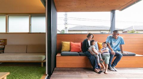 子育てにも優しいインナーテラスを最大限に活用 職住一体の心地良い暮らし