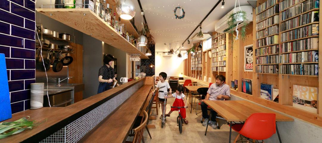 """""""間""""を紡ぐ建築家の自邸 自在に姿を変える空間が 暖かなコミュニティを生む"""