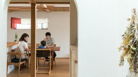 設計・施工を自ら行う住まいは暮らしの器日々手を入れ、暮らしやすく