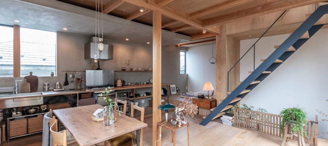 """生活空間もギャラリーに いろんなことを試せる """"余白""""のある家で暮らす"""