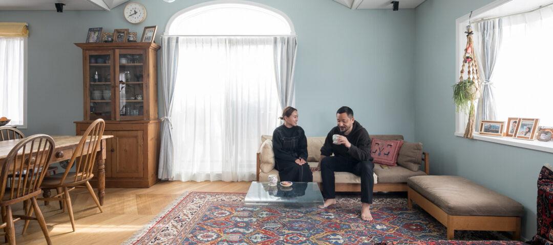色を味わうリノベーション ペルシャ絨毯の美しさを 贅沢に楽しむ家
