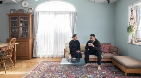 色を味わうリノベーション ペルシャ絨毯の美しさを贅沢に楽しむ家