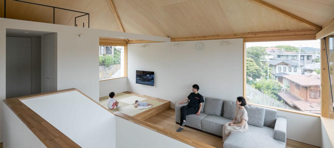 鎌倉山の景色を一望 開放感あふれる大空間で 自然を身近に感じながら暮らす